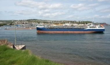 Bulk carrier entering Teignmouth harbour