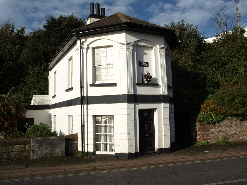 Shaldon Bridge tollhouse