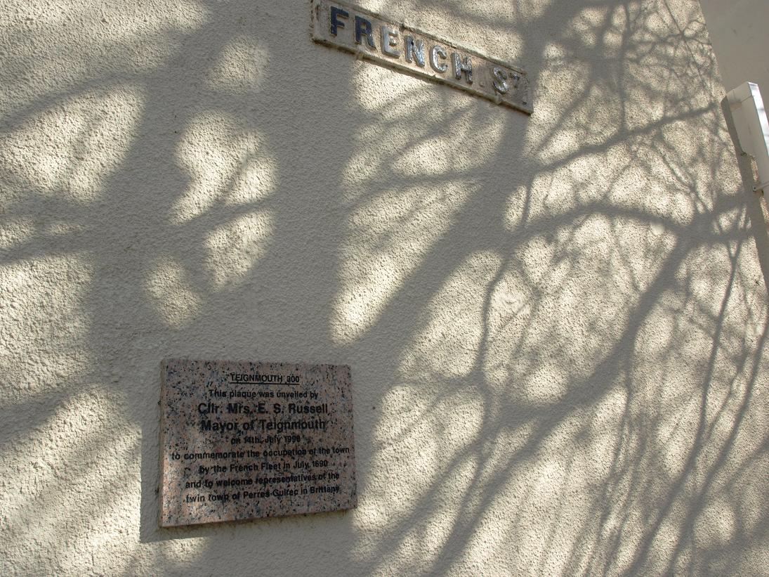 French St plaque